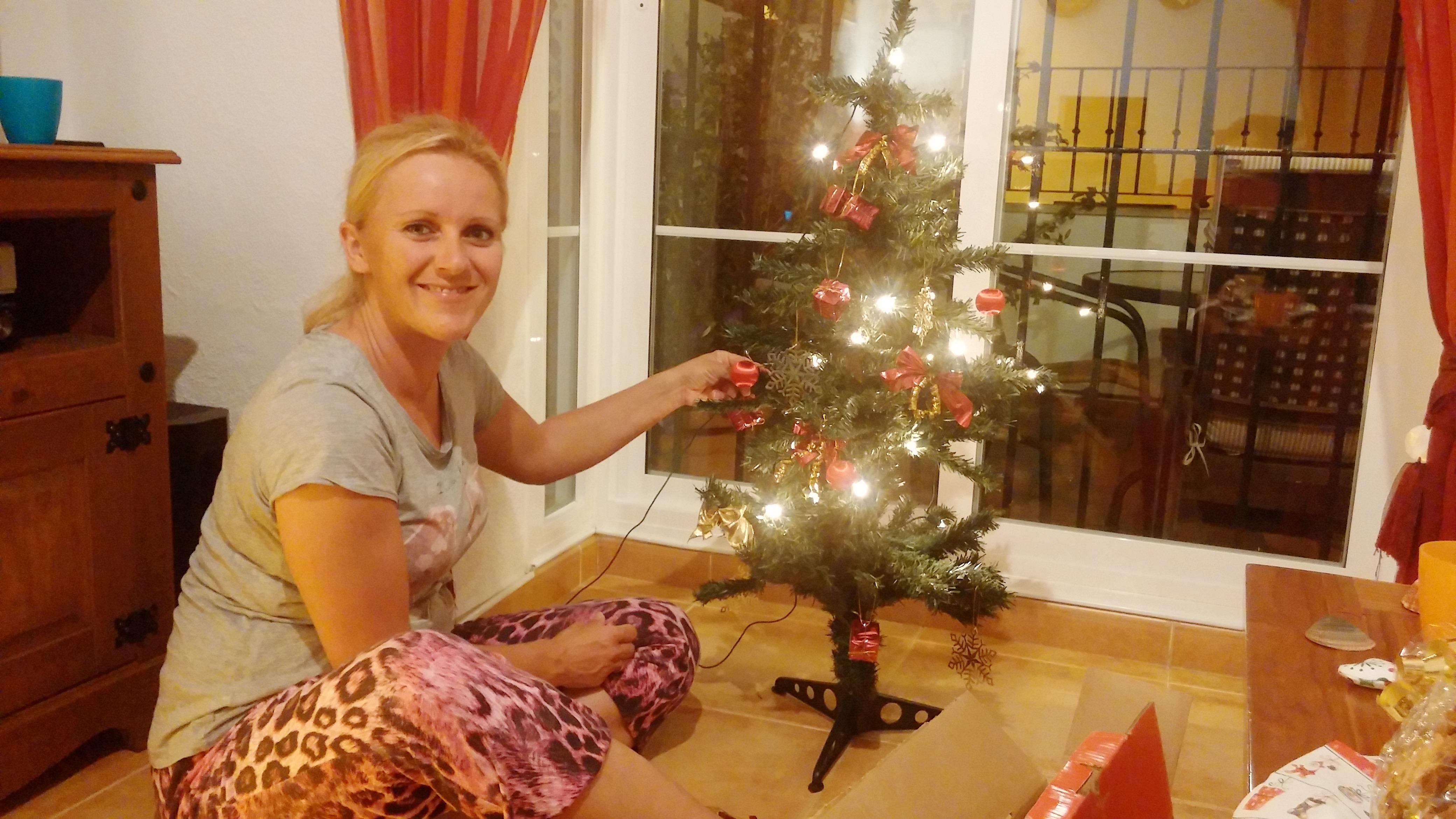 Wenigstens ein kleiner kitschiger Weihnachtsbaum dieses Jahr