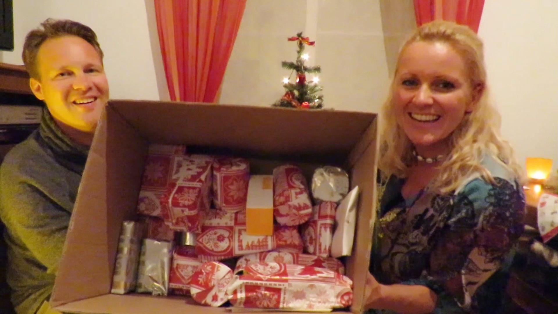 Mama´s Weihnachtspaket kam noch rechtzeitig an und wir haben uns über viele Kleinigkeiten gefreut