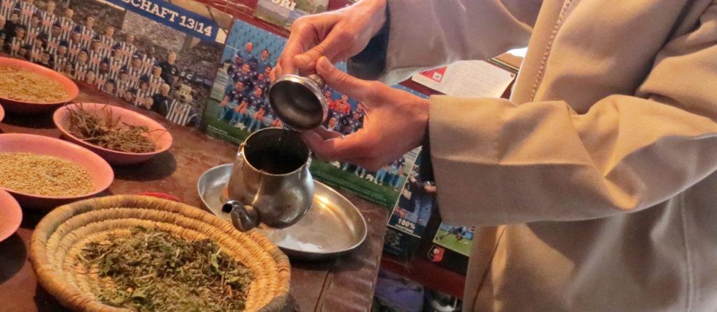 Zum Tee beim Gewürzhändler (Foto-Slideshow)
